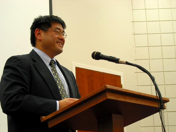 2004-02-lyon-college-arkansas-japan20lecture