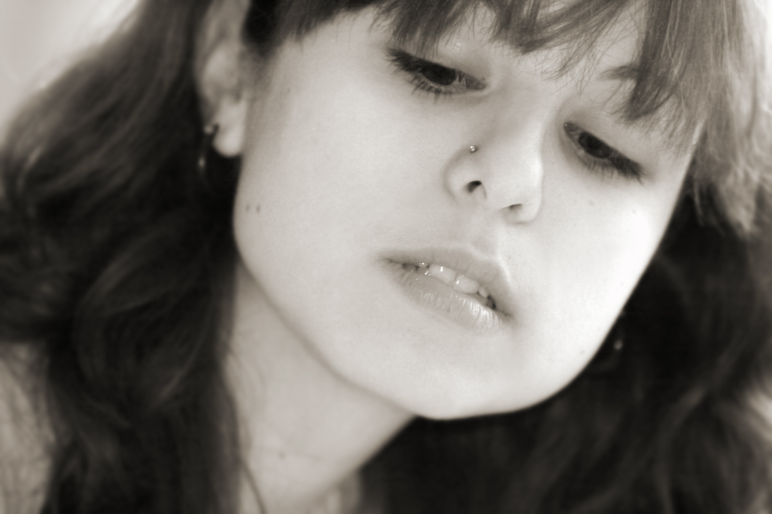 Girl looking down- Talking Helps ease Emotional Distress ... - photo#23